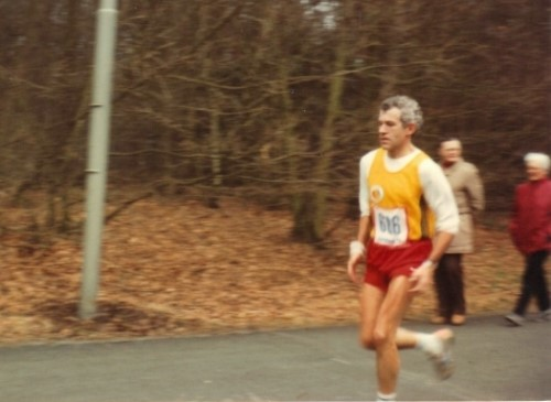 Hans Kleinekoort loopt zijn PR in Apeldoorn op 4 februari 1984