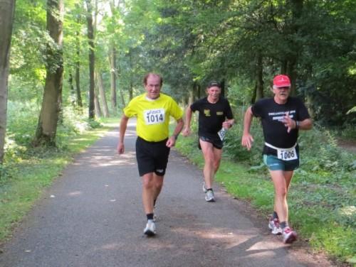 Hans Kleinekoort tijdens de Bosbaan Marathon 2013